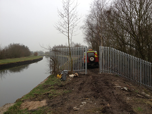 Cut Down Cable Rig used for single access at canal
